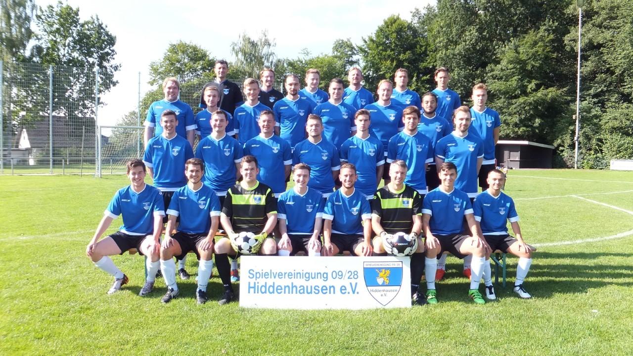 Aufgestockt: Mit einem großen Kader startet die zweite Mannschaft der Spvg. Hiddenhausen in die kommende Saison.
