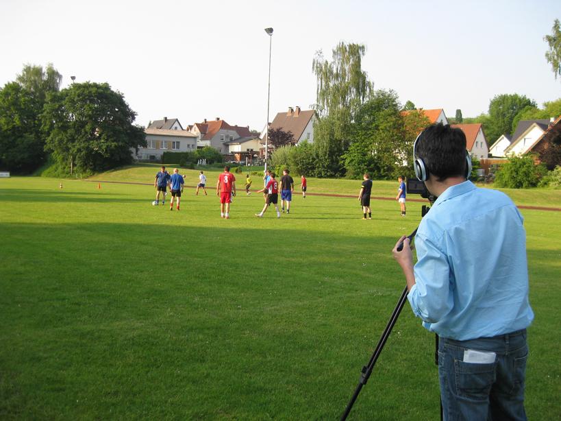 Im Visier: Das WDR-Fernsehen nahm die zweite Mannschaft mit Sven-Henrik Schulte am Dienstag genau unter die Lupe.